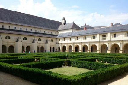 Chinon and the Royal Abbey of Fontevraud